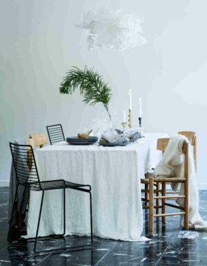 Lovely Linen Tischläufer und Tischdecke weiß