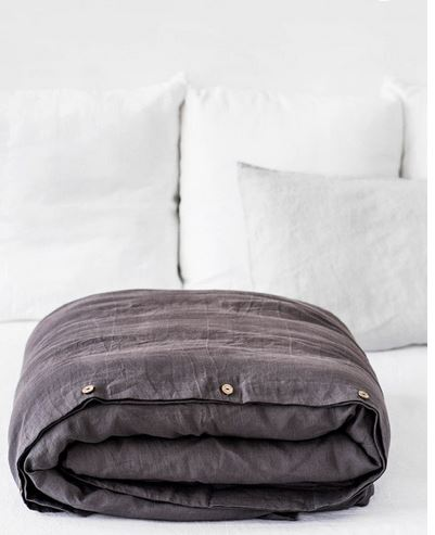 Moderne Bettbezüge in graphit von MagicLinen