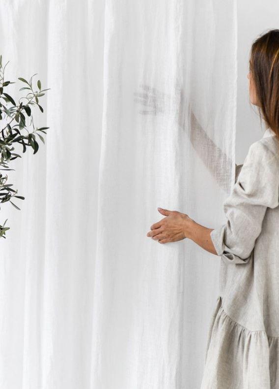 Transparente Vorhänge und Gardinen in weiß