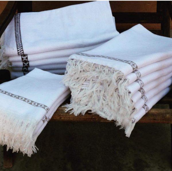 Handtücher, Badetücher und Gästetücher von LaMaisonBahira