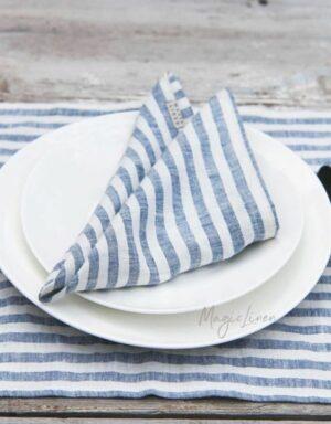 Stoffservietten aus Leinen mit blauen Streifen