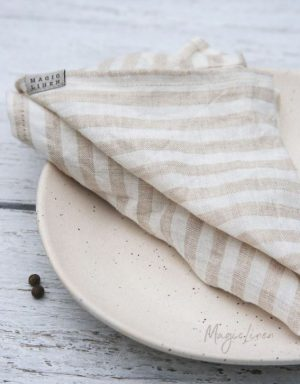 Stoffservietten aus Leinen mit sandfarbenen Streifen
